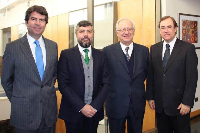 De izquierda a derecha: Felipe Hoetz, Roberto Ríos, Osvaldo Contreras y Edmundo Agramunt.